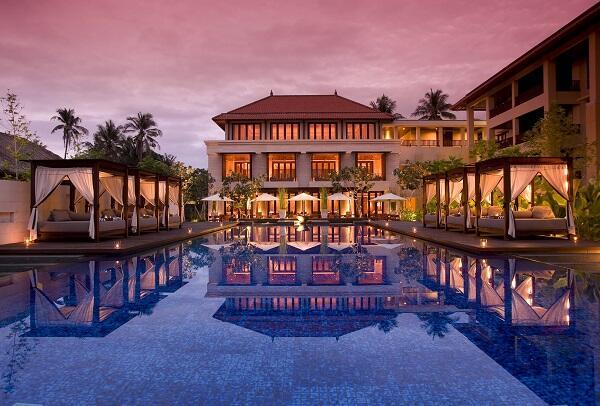 Отель Conrad Bali с главным бассейном